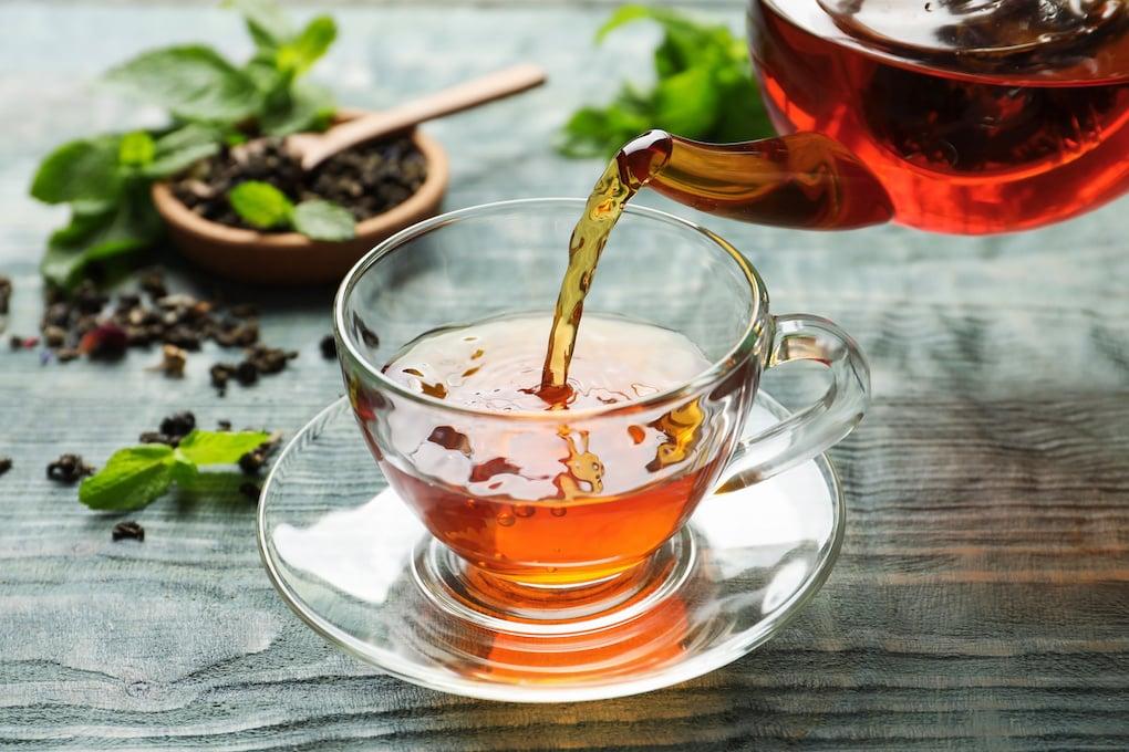drink tea instead of coffee for diy teeth whitening